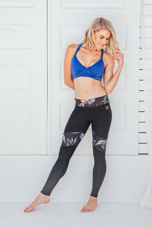 Sassy Black - Standard waist tights - Macaw Activewear