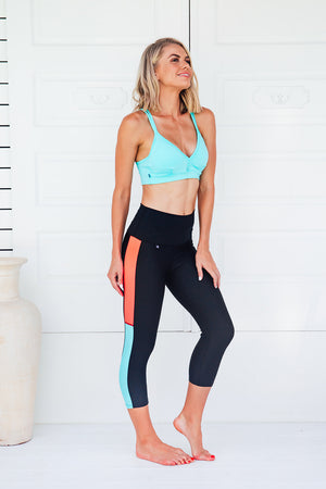 Infinity - High waist capri tights - Macaw Activewear