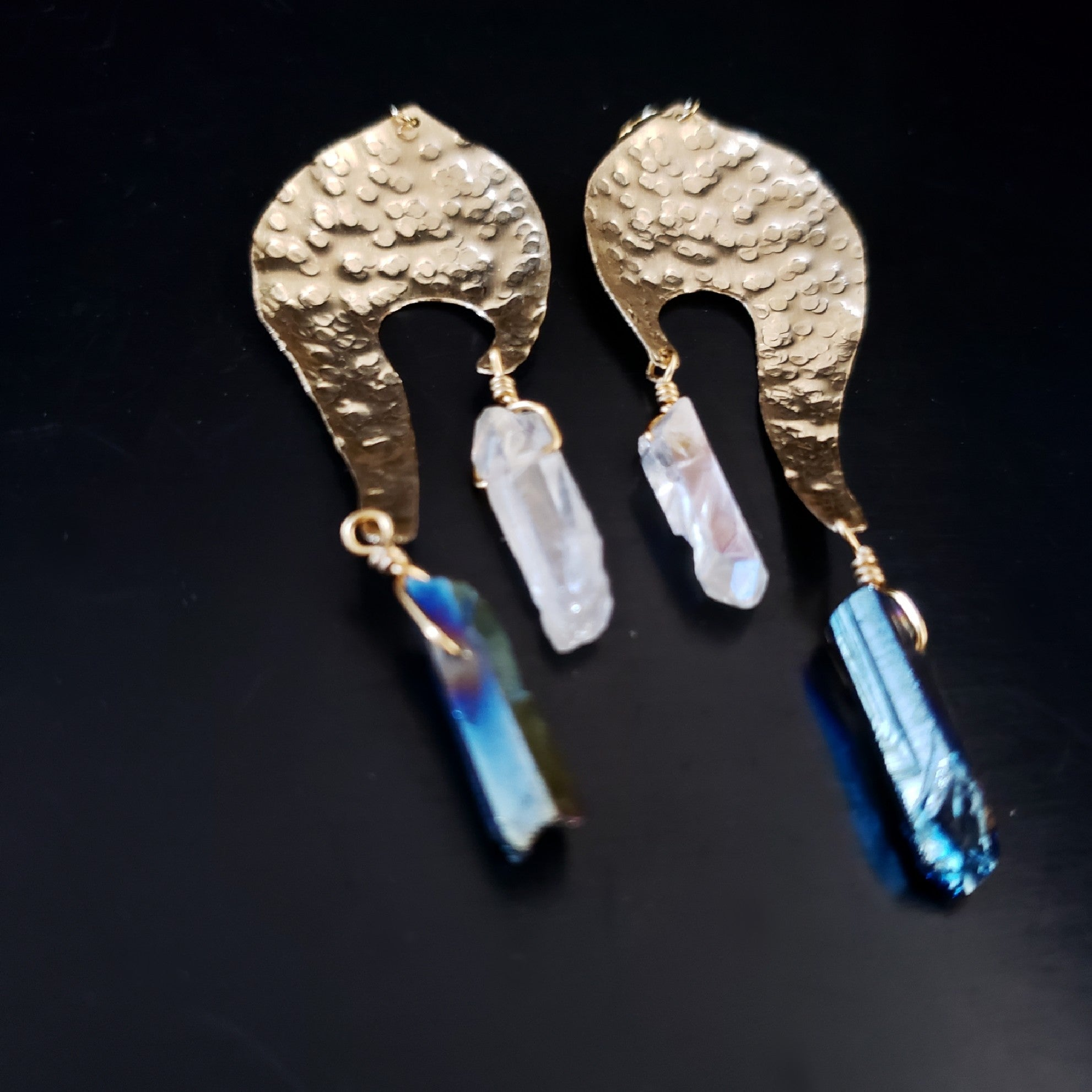 Textured brass and quartz earrings