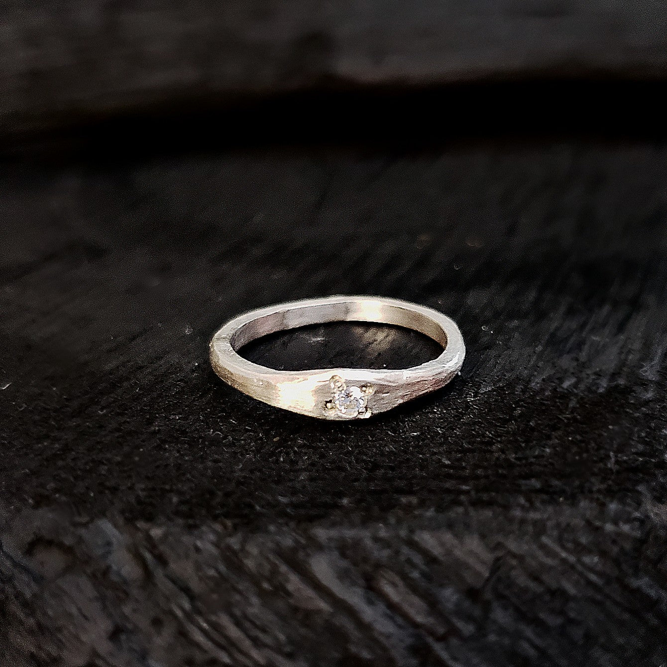 Simple CZ ring stering silver dull finish