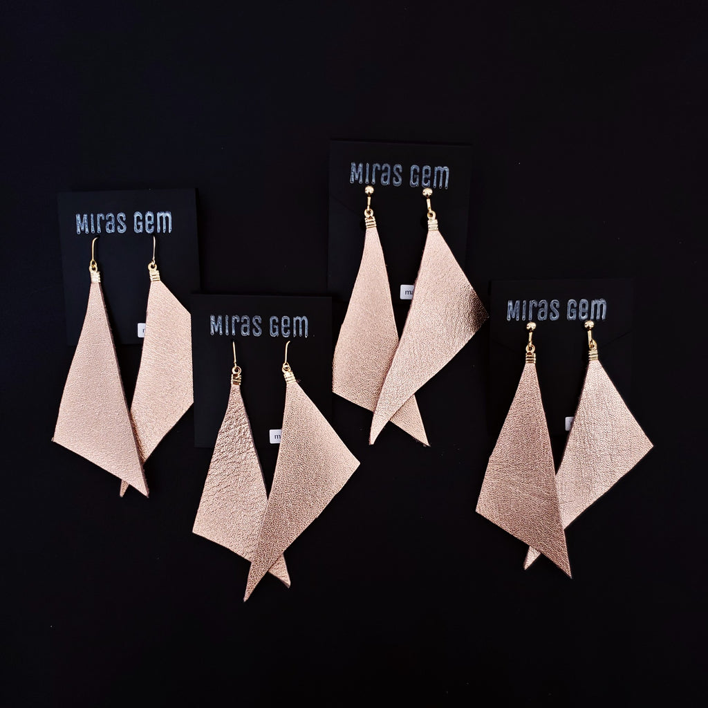 Leather triangle earrings -Limited-
