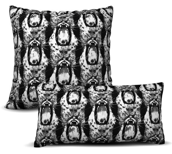 Predator - Noir Pillow Cover