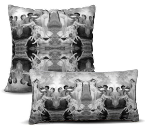 Goddess - Noir Pillow Cover