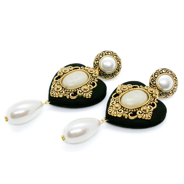 BLACK CHERISH PEARL EARRINGS