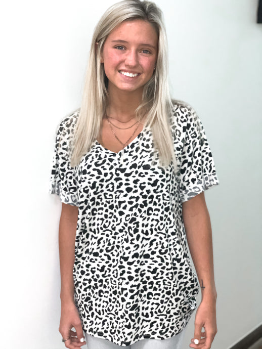Cheetah V-Neck Rolled Sleeve Top