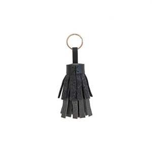 Tassel Keyring in Pebbled Gray