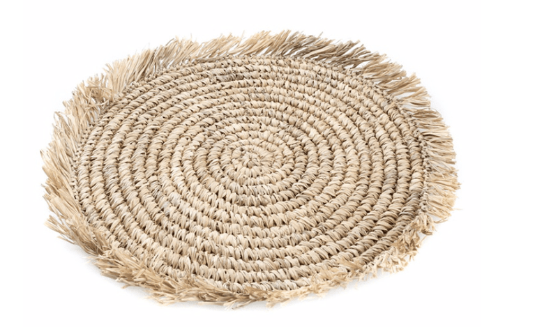 Raffia placemat with fringes