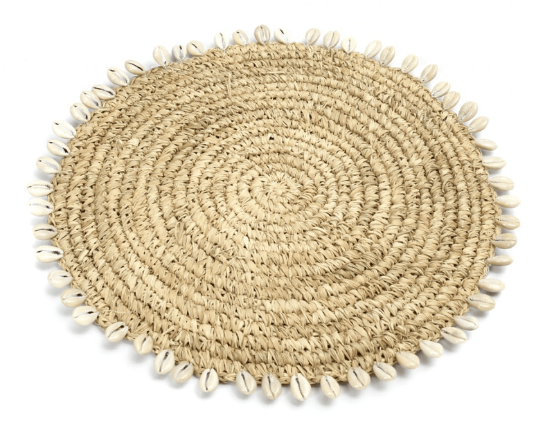 Placemat in Natural Raffia with Cowrie Shells