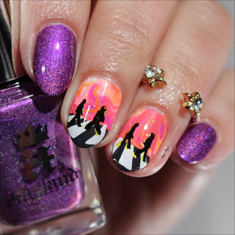 @hefersanja AEngland, Hit the Bottle stamping polishes, and Clear Jelly Stamper manicure. Available in the US at www.beautometry.com.