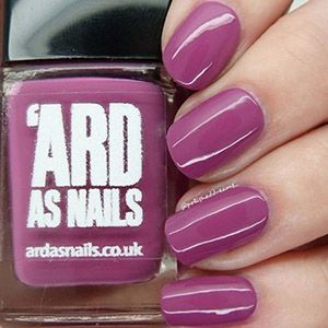 Ard As Nails- Creme- Lorna