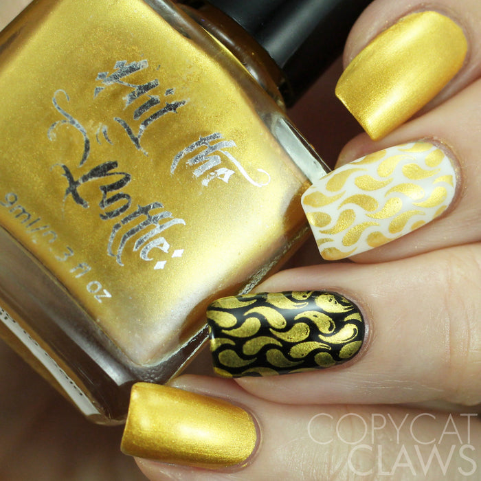 "Hit the Bottle ""To have and to Gold"" StampingPolish"