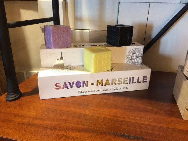 Gift box of 5 Cubes soaps assorted scents