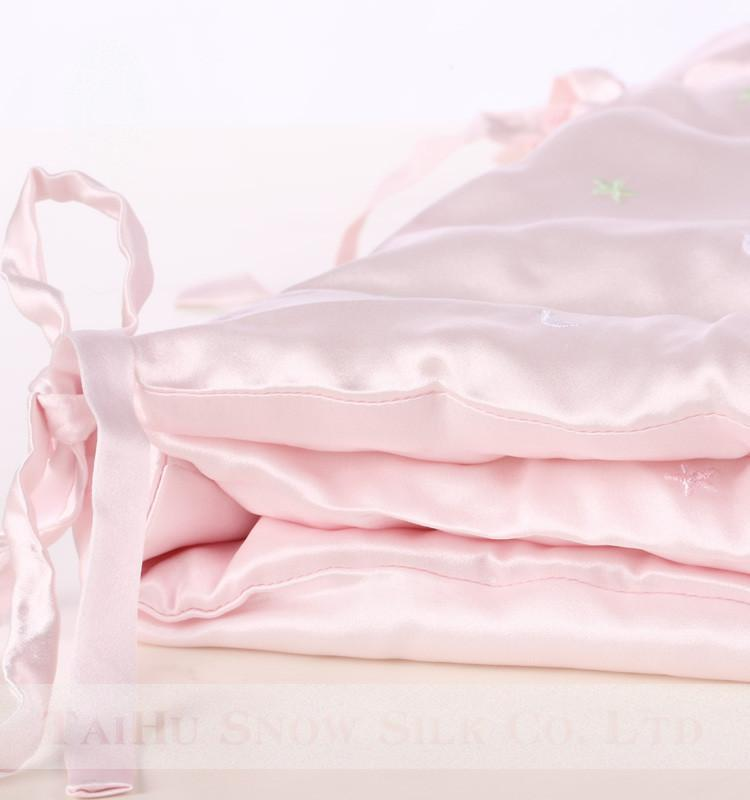 High end 19 Momme Mulberry Silk Baby Wrap Swaddle Blanket | 100% Silk Filling | Green and Pink| TAIHU SNOW