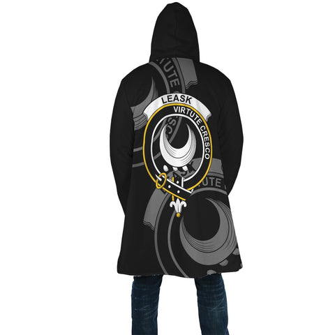 Leask Crest Scotland Cloak | Over 300 Clans