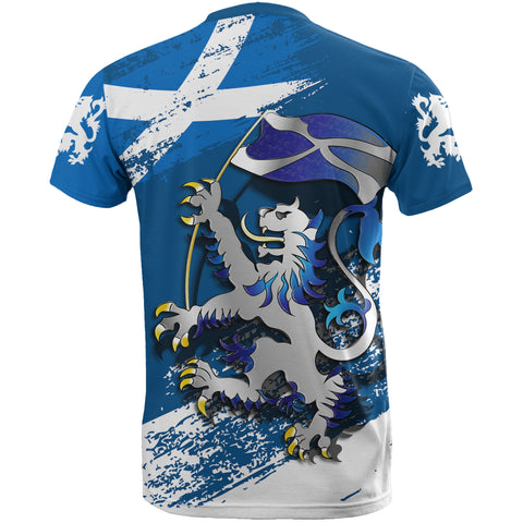 Scottish Rampant Lion Holding The Flag T-Shirt