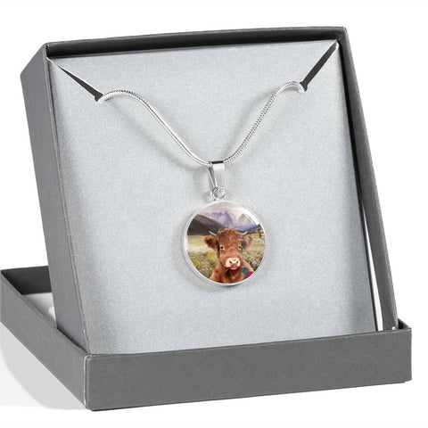 Lovely Highland Cattle - Circle Shaped Necklace | Special Custom Design