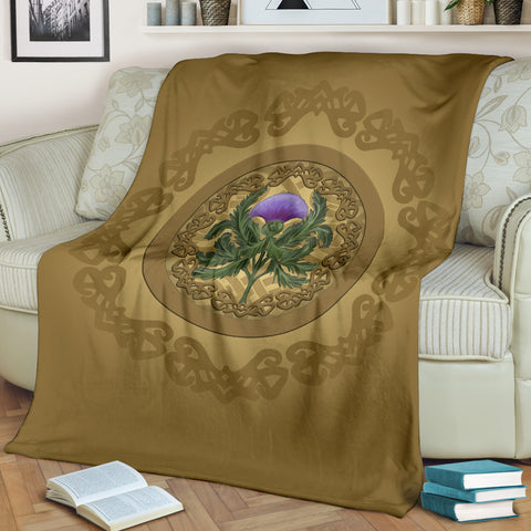 Love Scotland | Thistle Emblem Golden Premium Blanket