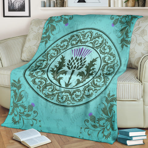 Love Scotland | Thistle Emblem Light Green Premium Blanket