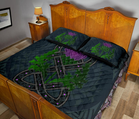 Image of Scotland Quilt Bed Set - Celtic Myth Thistle | Love Scotland