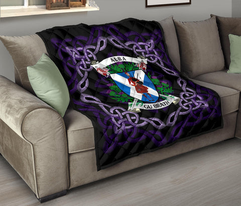 Image of Scotland Premium Quilt - Celtic Thistle Bagpiper A24