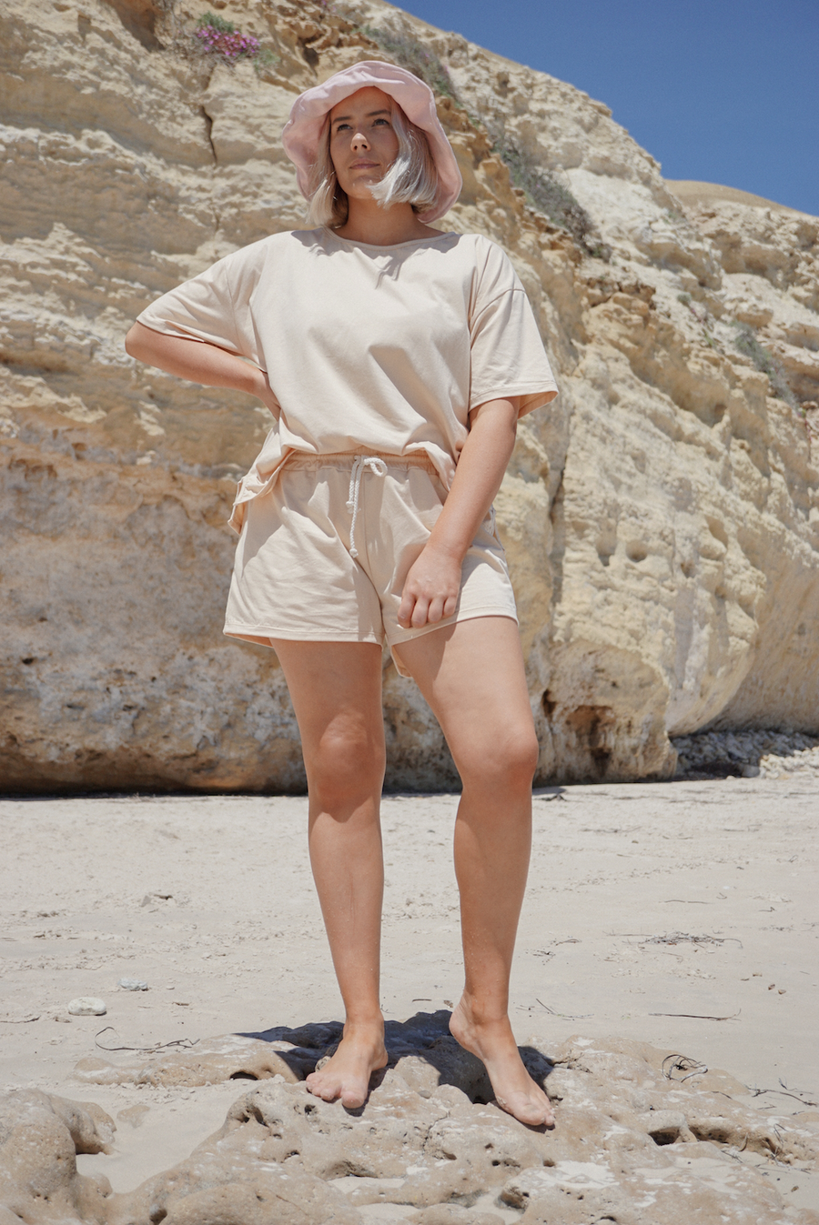 WOMAN'S STAPLE SHORT | BUTTERCUP
