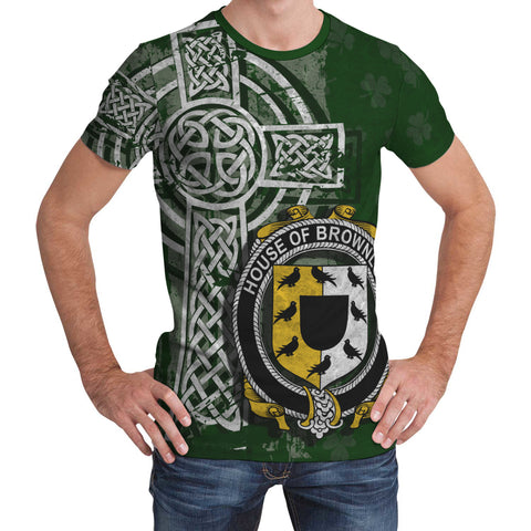 Irish Family, Brownlow Family Crest Unisex T-Shirt | 1st Ireland