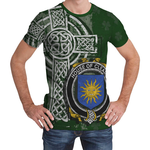 Irish Family, Cleare Family Crest Unisex T-Shirt | 1st Ireland