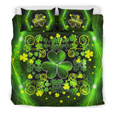 Irish Shamrock Abstract Bedding Set with Light Green color - King size