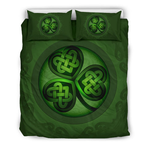 Image of shamrock luxury bedding set, shamrock luxury duvet cover, celtic bedding set, celtic duvet cover, celtic symbols