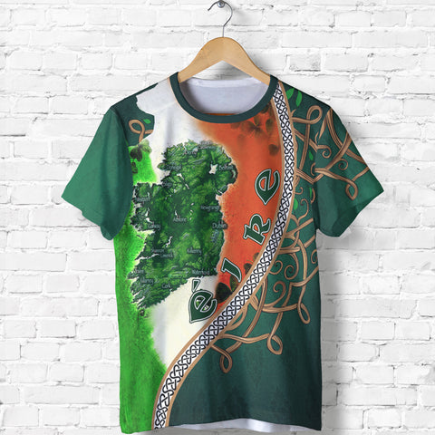 Ireland T-Shirt - Éire Map with Celtic Style - Green - Front - For Men and Women