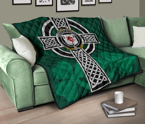 Irish Quilt, Dwyer or O'Dwyer Family Crest Premium Quilt TH47
