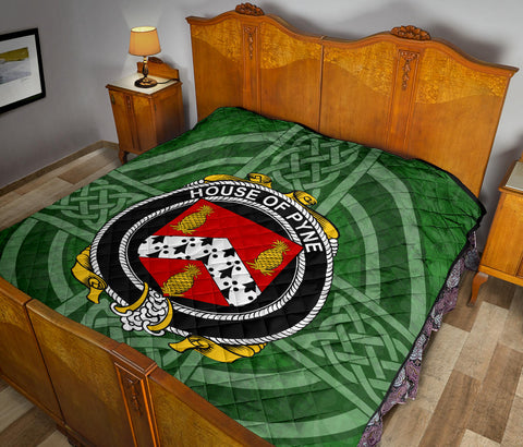 Image of Ireland Clan Quilt - Pyne | 1stireland.com