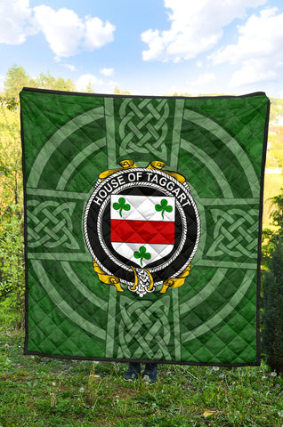 Taggart or McEntaggart Family Crest Shamrock Premium Quilt TH8