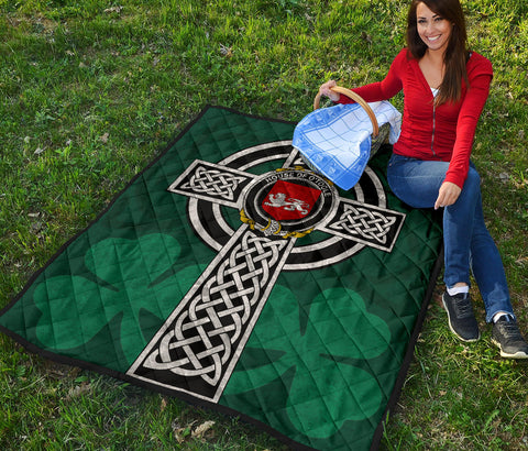 Irish Quilt, Toole or O'Toole Family Crest Premium Quilt TH47