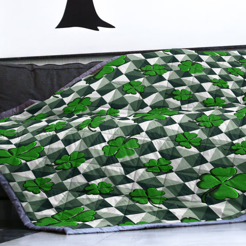 Ireland Quilt St. Patrick's Day Green Clovers TH5
