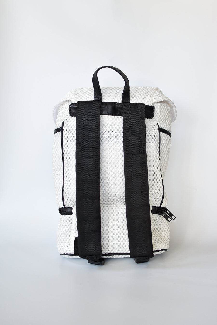 brooker-backpack-active-sport-bag-anya-and-niki-white-alt3