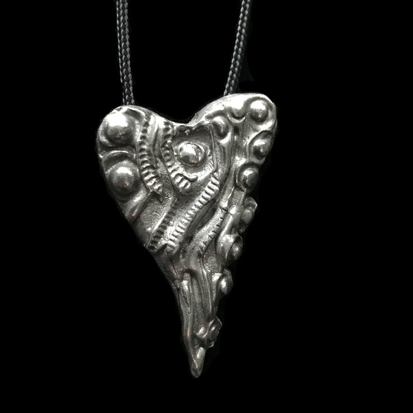 "Don Drumm Pewter Heart Pendant ""G"""