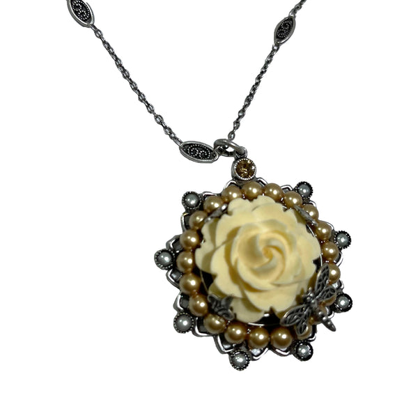 La Contessa Cream Rose Pendant