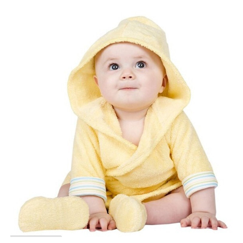 Luvable Friends 6 Designs Hooded Animal Modeling Baby Bathrobe with Baby Shoes 0-9 M Infant Bath Towels Baby Sleepwear & Robes
