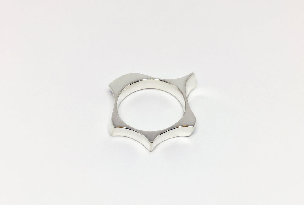 Undulate Ring