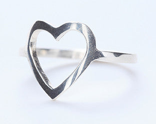 CUT OUT HEART - SILVER