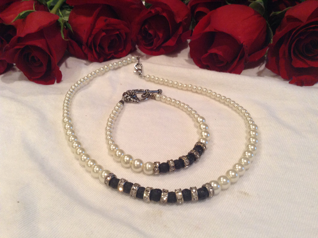 Choker Necklace and Bracelet Set