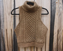 Load image into Gallery viewer, Wool and Walnuts Irish Knit Crop