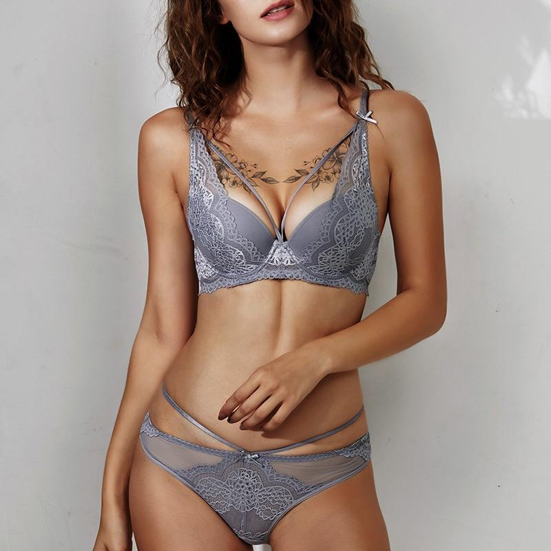 Women's Floral Lace Brief And Bra Set - Hils&Ties Hils & Ties Men and Women Clothing