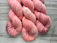 Load image into Gallery viewer, Speckled Peach-DK weight