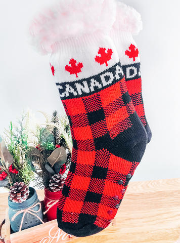 Plush Red Knit Canadian Slippers