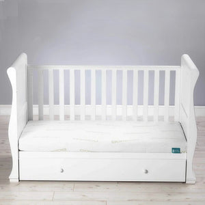 Designed to fit cot beds, the 100% natural mattress is filled with a wool and natural coir