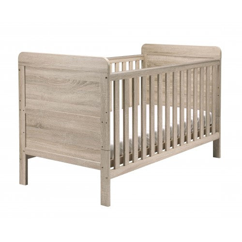 The cot bed has 2 teething rails, ensuring to protect your child, and keep the from any harm.