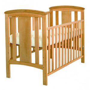 3 adjustable heights on this lovely cot make it easier for you to pick up and put down your child.