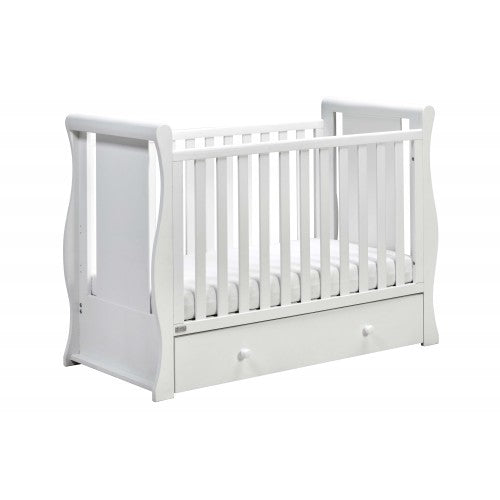 This white cot bed is a beautiful addition to any loving household, with a beautiful white finish.